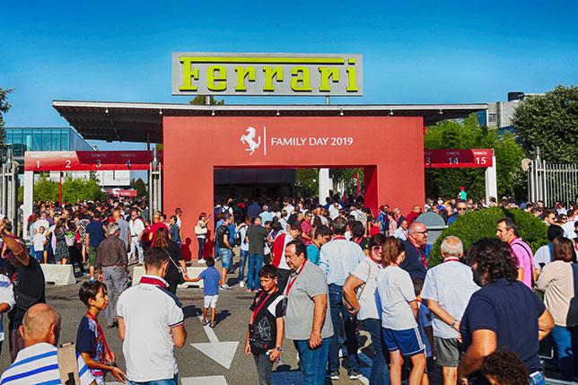 Феррари подтвердила выход кроссовера в 2022г.