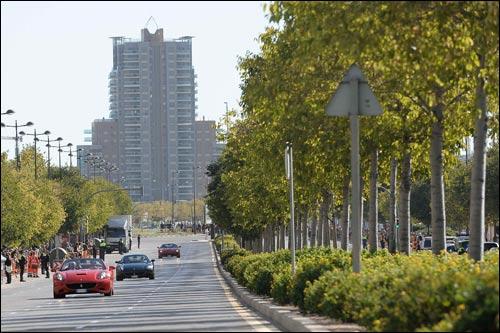 Уличное шоу Ferrari в Валенсии