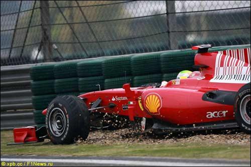 Фелипе Масса за рулем Ferrari на трассе Гран При Китая