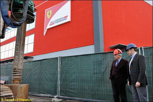 Стефано Доменикали присутствует на закладке фундамента нового здания