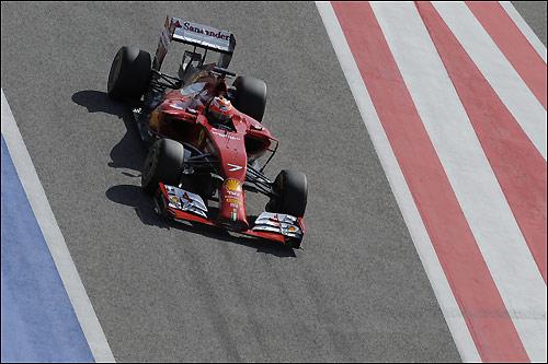 Кими Райкконен за рулём Ferrari F14 T на тестах в Бахрейне