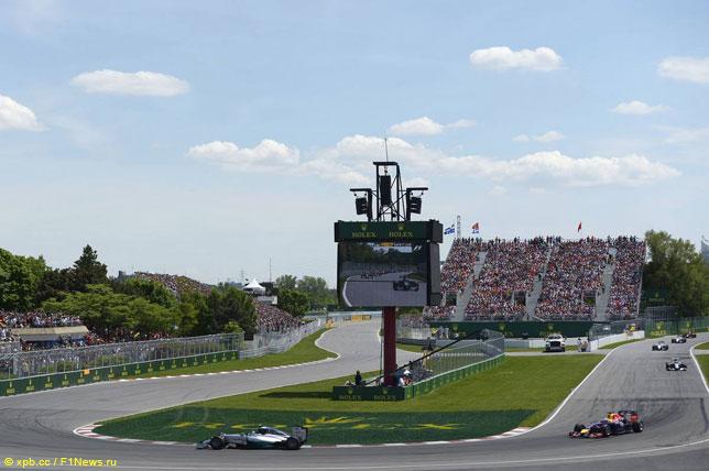 Mercedes и Red Bull Racing на прошлогоднем Гран При Канады