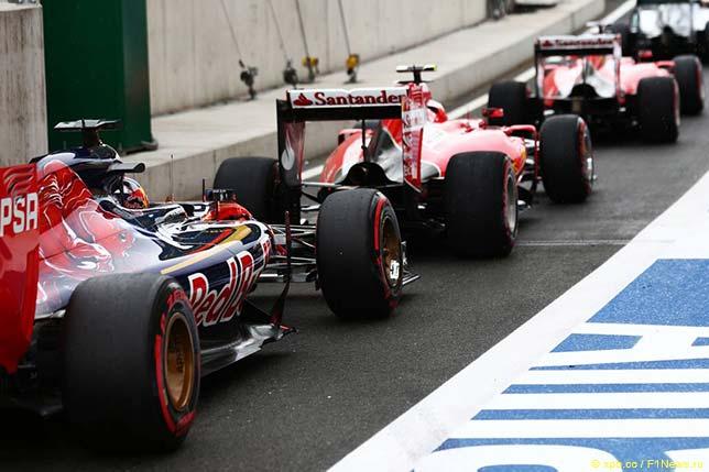 Машины Toro Rosso и Ferrari