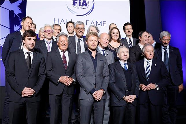 Групповая фотография на церемонии. Фото пресс-служба FIA
