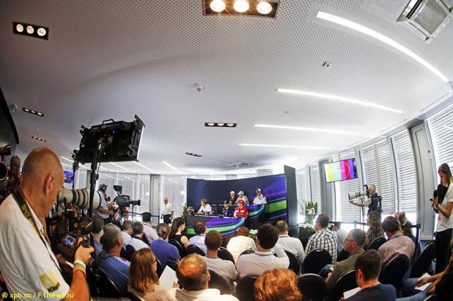 Пресс-конференция FIA