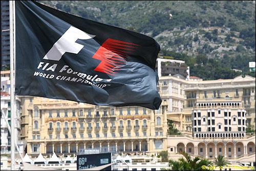Флаг F1 в Монако