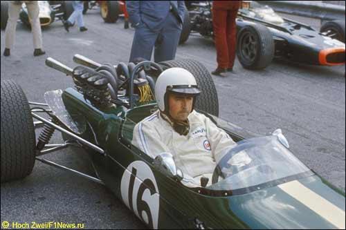 Джек Брэбхем за рулем своей машины, 1967 г.