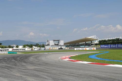 Малайзия, Сепанг. Вид на связку первого и второго поворотов