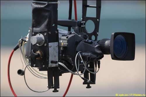 Одна из телекамер, установленных на трассе Гран При Китая в Шанхае