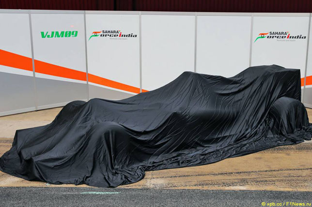 Mercedes представит новейшую машину 23февраля
