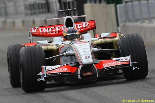 Force India на тестах в Сильверстоуне