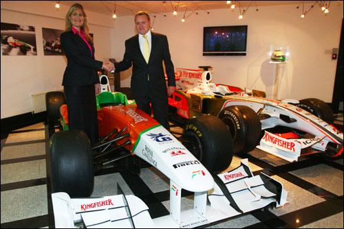 Руководитель отдела маркетинга Force India Сэйди Уигглсуорф и директор по продажам STL Филип Дониган