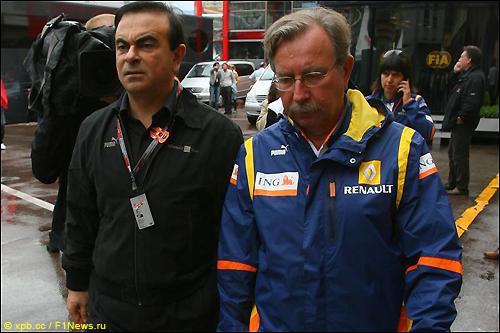 Карлос Гон (слева) и управляющий директор Renault F1 Жан-Франсуа Кобе