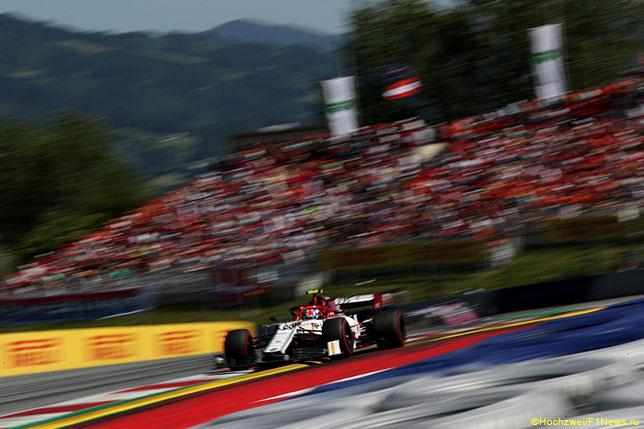 Антонио Джовинацци на трассе Гран При Австрии