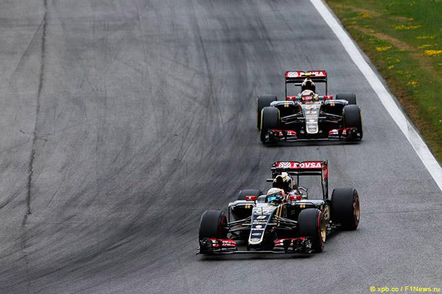 Гонщики Lotus в Австрии