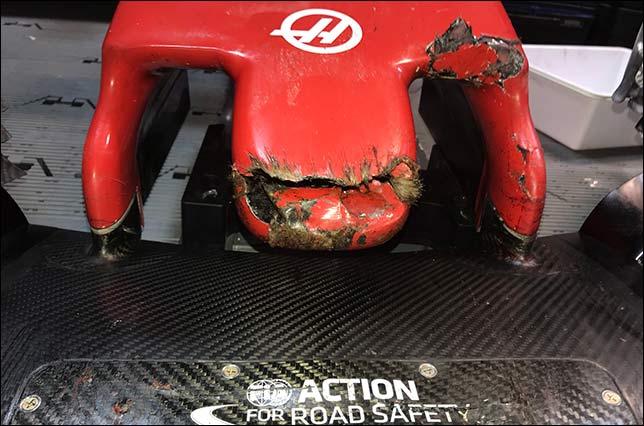 Повреждённый носовой обтекатель на машине Грожана