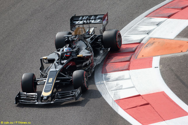 Роман Грожан за рулём машины Haas F1