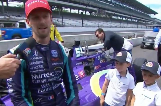 Роман Грожан и его сыновья после финиша гонки в Индианаполисе
