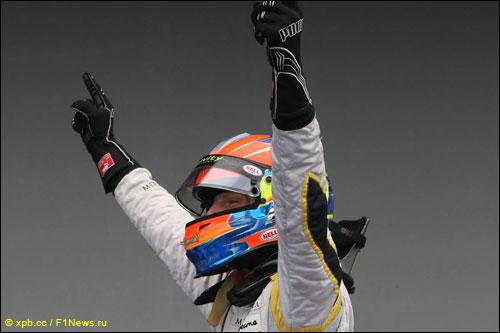 Победитель воскресной гонки GP2 на Нюрбургринге, пилот DAMS Роман Грожан