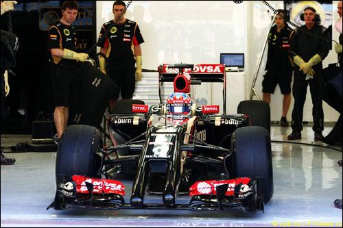 Роман Грожан за рулем Lotus E22