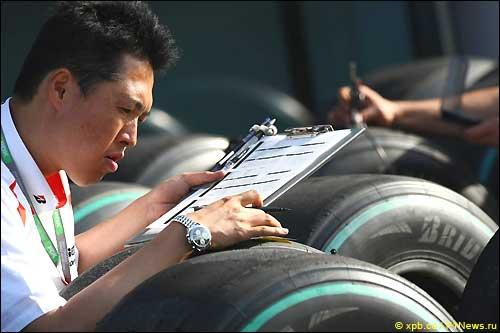 Инженер Bridgestone