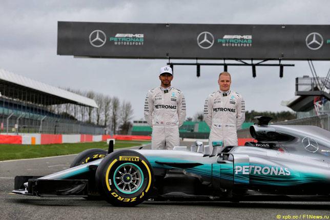 Льюис Хэмилтон и Валттери Боттас на презентации Mercedes