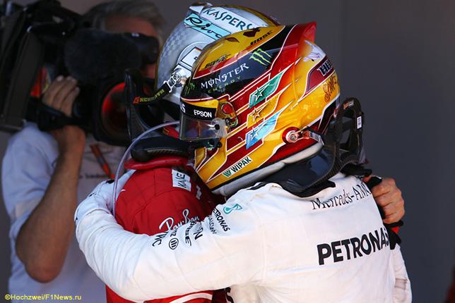Льюис Хэмилтон и Себастьян Феттель после финиша Гран При Испании