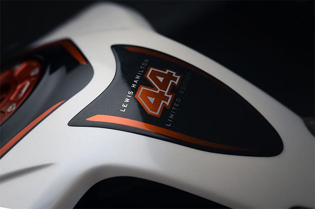 Одна из деталей мотоцикла MV Agusta Dragster RR LH 44