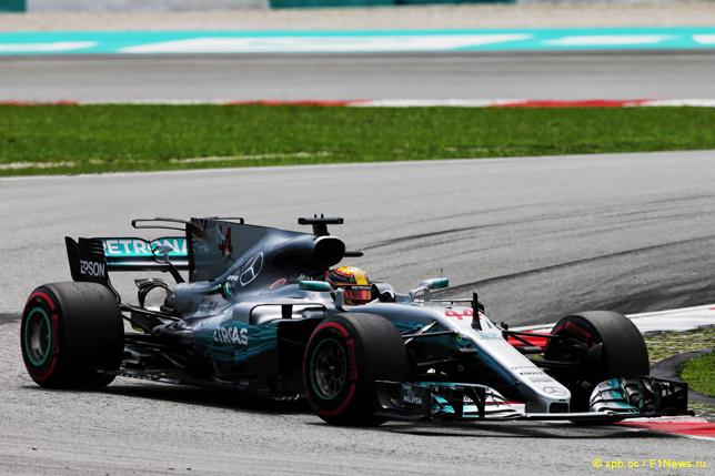 Хэмилтон одержал победу квалификацию Гран-при Малайзии Формулы-1, Феттель— последний