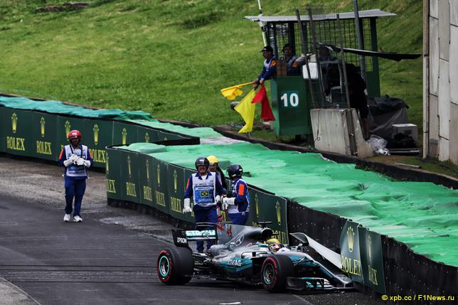 Хэмилтон из-за дорожной аварии  несмог закончить  квалификацию Гран-при Бразилии