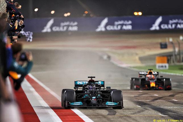 Победный финиш Льюиса Хэмилтона на Гран При Бахрейна