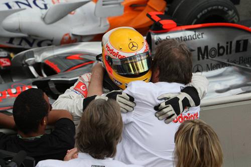 Хоккенхайм. Гран При Германии. Льюис Хэмилтон и Норберт Хауг