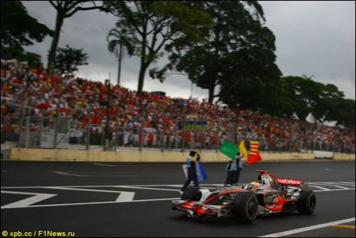 Льюис Хэмилтон на Гран При Бразилии 2008 года