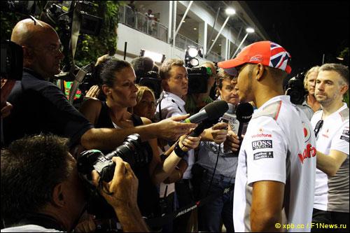 Льюис Хэмилтон на Гран При Сингапура