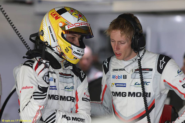 Брендон Хартли (справа) и Эрл Бамбер во времена выступлений за Porsche в чемпионате WEC, 2017 год