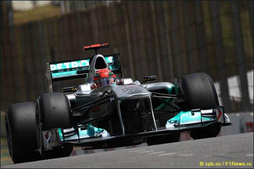 В 2012-м Михаэлю Шумахеру и Нико Росбергу предстоит пилотировать Mercedes AMG Petronas Formula 1 Team W03