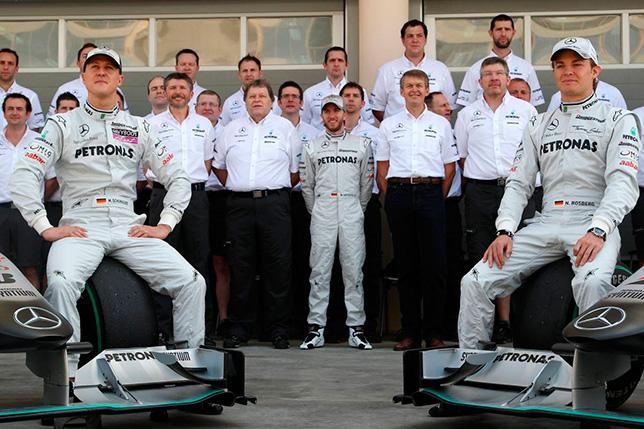 Команда Mercedes перед началом сезона 2010 года