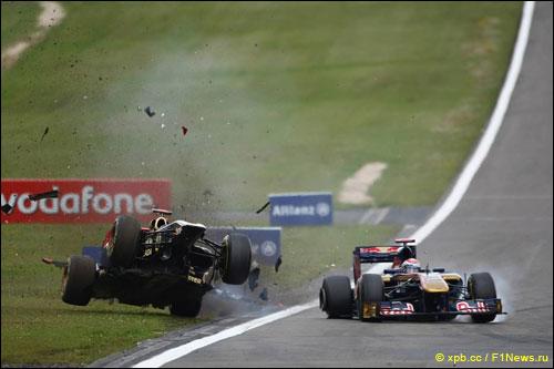 Столкновение Ника Хайдфельда и Себастьена Буэми по ходу Гран При Германии