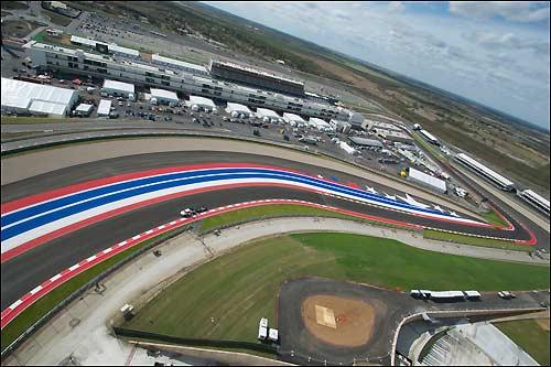 Вид на Circuit of the Americas с борта вертолета