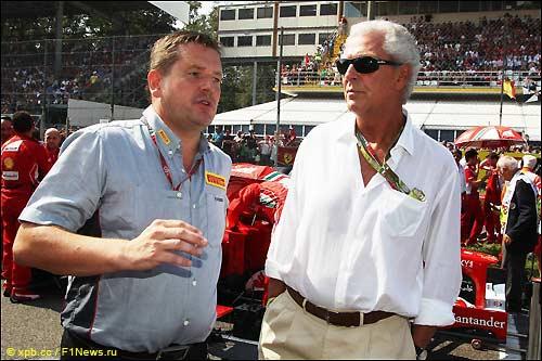 Пол Хембри (слева) и Марко Тронкетти, глава компании Pirelli