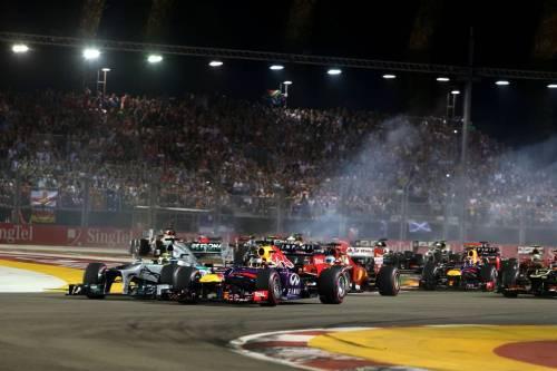 Гран При Сингапура. Первый поворот гонки