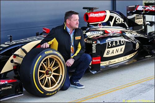 Пол Хембри на презентации шин Pirelli для 18-дюймовых дисков