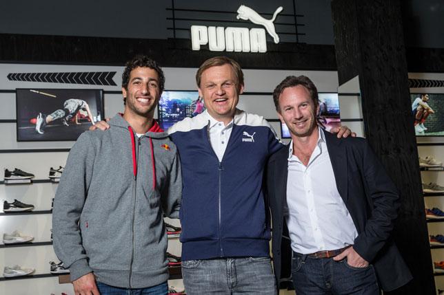 Даниэль Риккардо и Кристиан Хорнер с исполнительным директором Puma Бьорном Гулденом