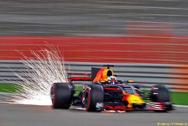 Даниэль Риккардо на трассе в Бахрейне