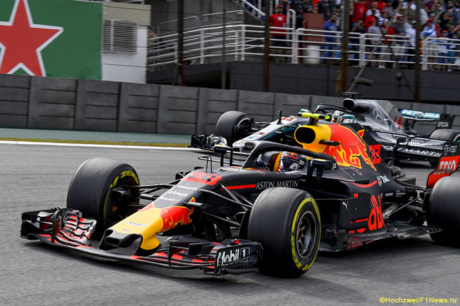 Макс Ферстаппен опережает Льюиса Хэмилтона на трассе Гран При Бразилии