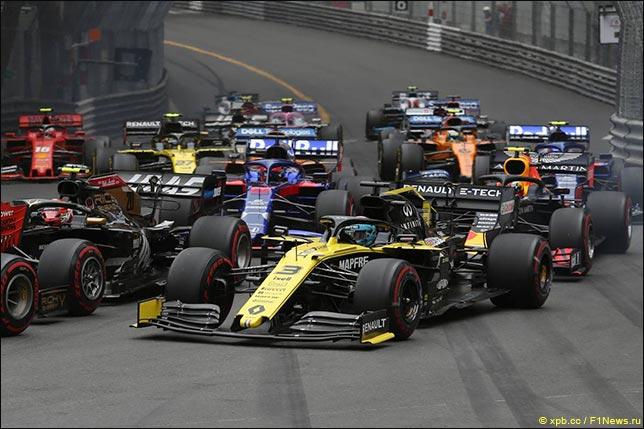 Даниэль Риккардо на старте Гран При Монако