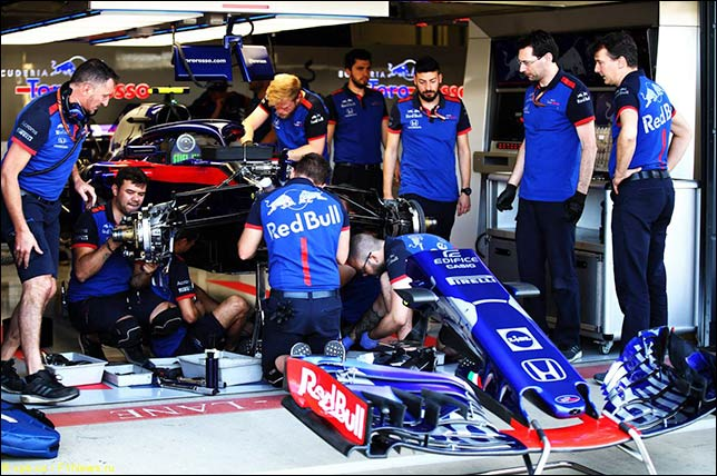 В Toro Rosso меняют подвеску на машине Пьера Гасли