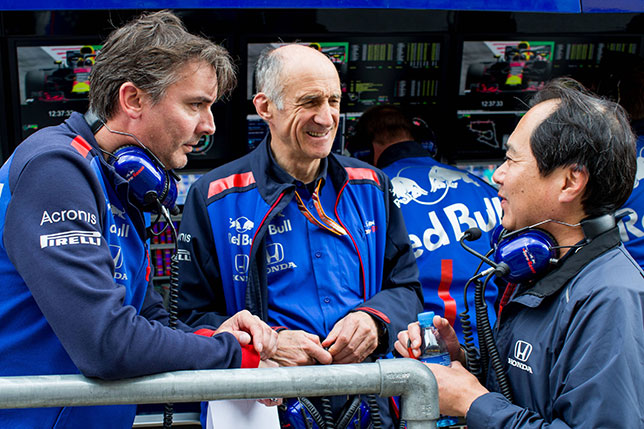 Джеймс Ки, Франц Тост, руководитель Toro Rosso, и Тойохара Танабе, технический директор Honda F1