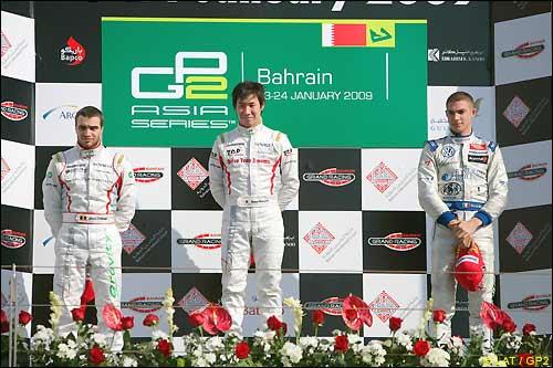 Подиум первой гонки в Бахрейне
