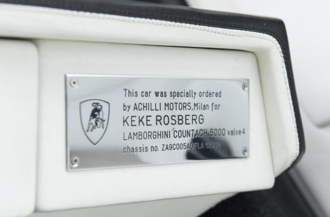 Табличка в салоне, свидетельствующая о том, что именно Кеке Росберг в своё время заказал этот Lamborghini